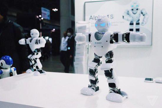 来看看IREX展会上各种奇怪的日本机器人