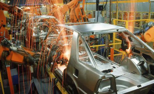 轻量化汽车制造,自冲铆接(SPR)机器人技术应用创新