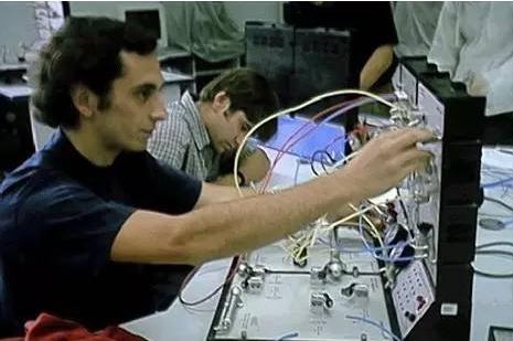 盘点   工业机器人史上那些重要的第一次
