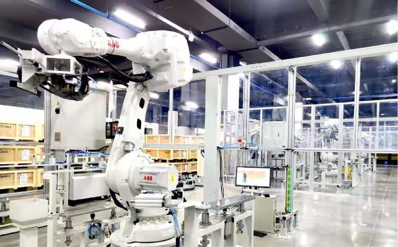 极智嘉打造AMR智慧工厂, 实现机器人生产机器人