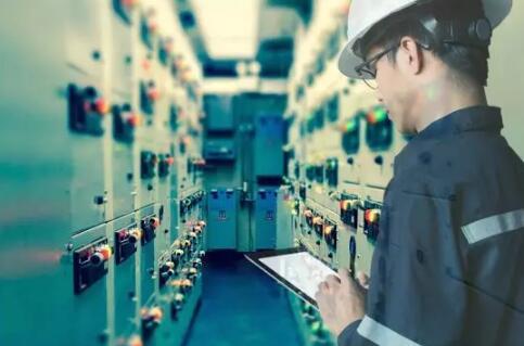 欧姆龙与爱信AW共同打造智能工厂,实现生产的全自动化