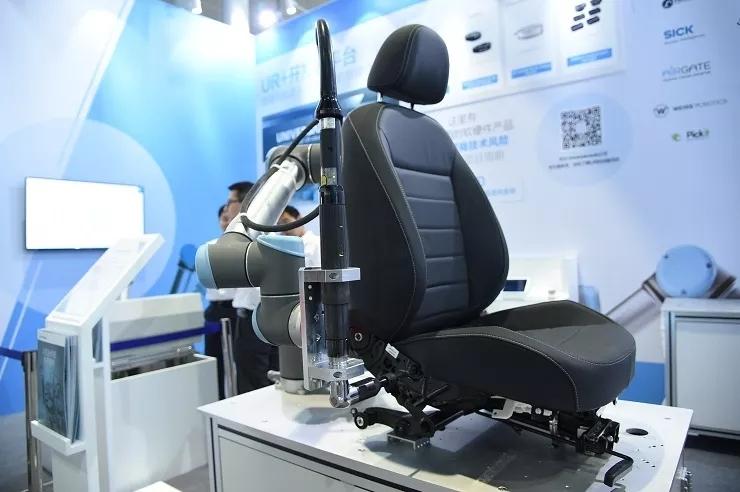 优傲机器人 | 看协作机器人玩转自动化!